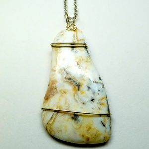 Jewelry - Gold and brown agate, free form in wire wrap